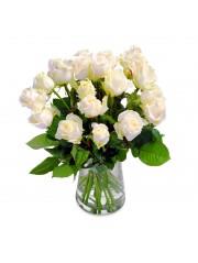 Jarron de rosas blancas