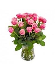 Jarron de rosas rosas