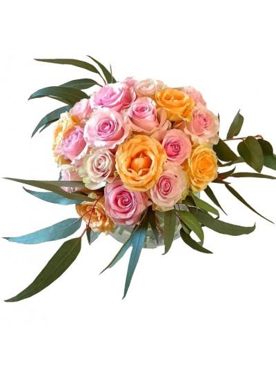 Jarron de rosas variadas