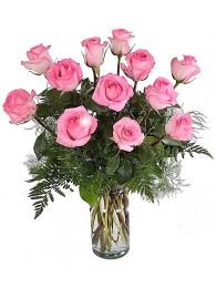 Jarron de 12 rosas rosa tallo largo